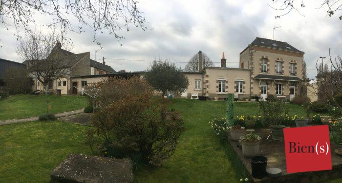 Maison ancienne Laval Route de Nantes 84 m²