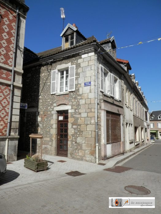 photo de Maison de bourg dans station thermale
