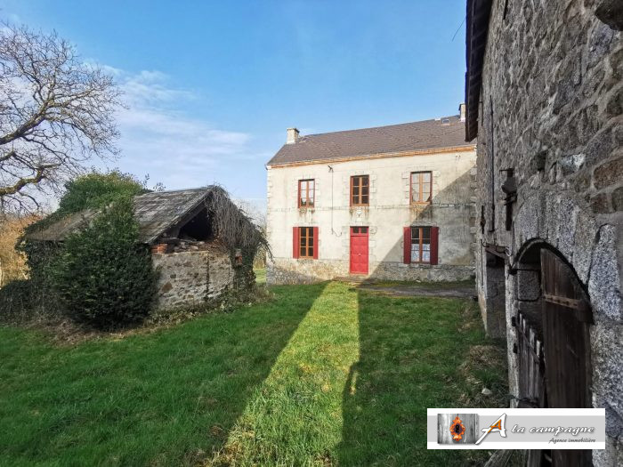 Hidden away at the rear of a peaceful hamlet is this charming property.