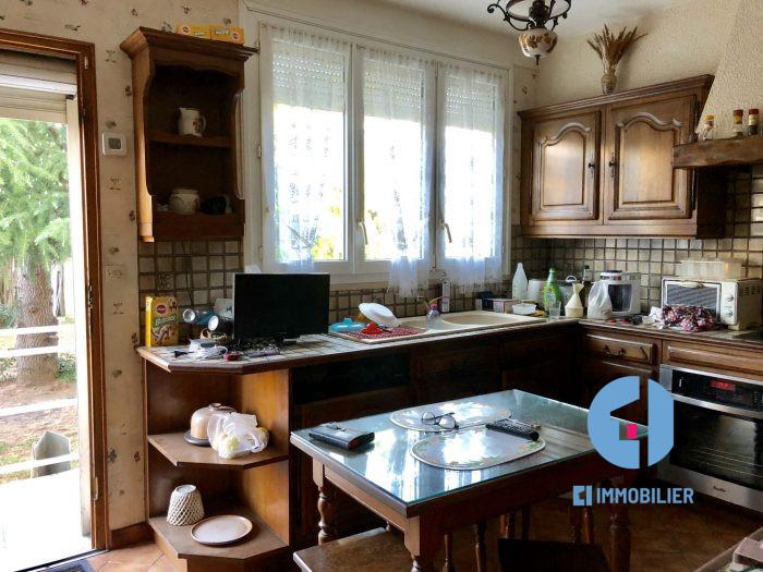 VILLENEUVE LE ROI – Maison familiale en Centre Ville