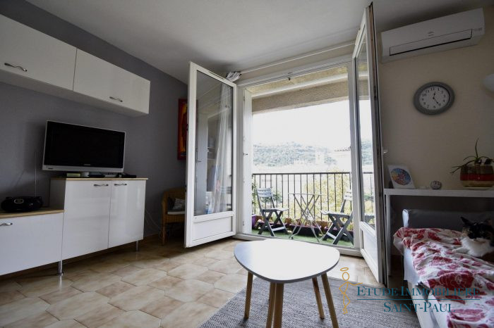 Magnifique Appartement Traversant Avec Garage Etude