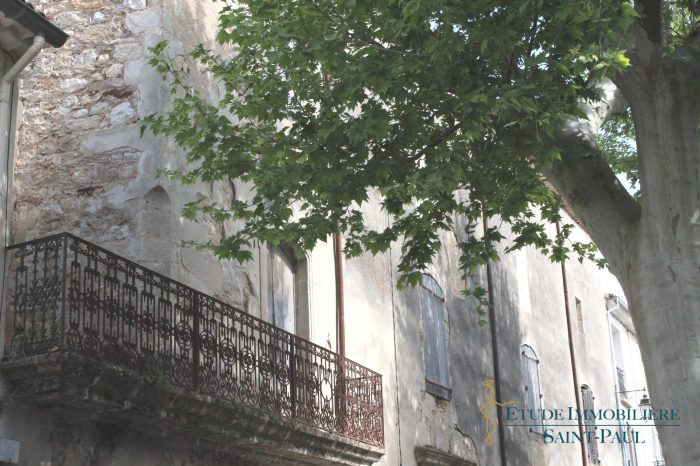Photo Bel ensemble Immobilier fin 18 eme siécle à rénover image 2/7