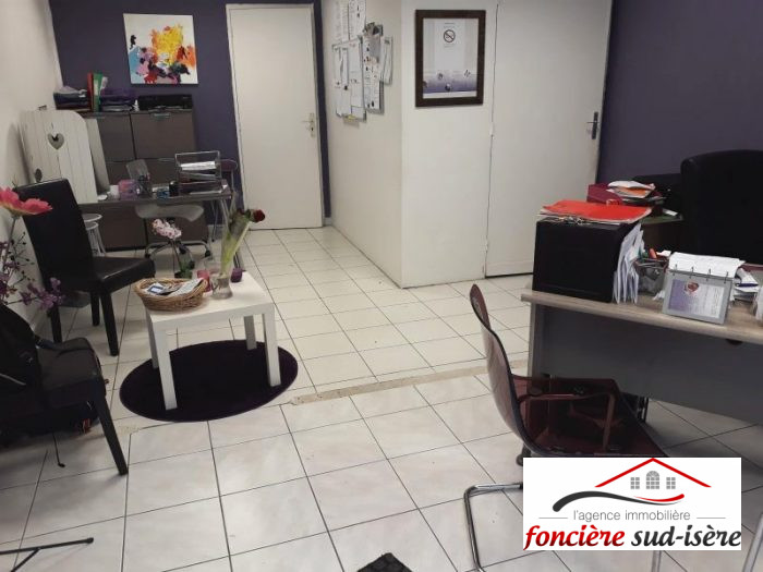 Location annuelleCommerceVIZILLE38220IsèreFRANCE