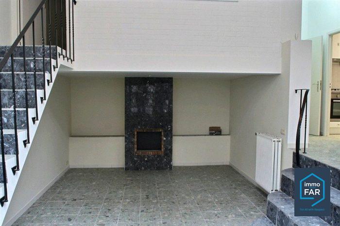 Appartement 3 chambres rez de chauss e enti rement r nov for Appartement atypique bruxelles