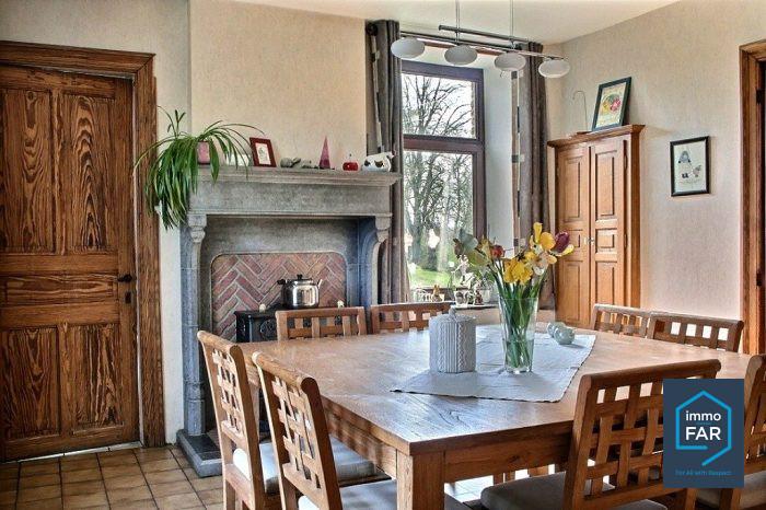Grande maison familiale de style - 5 chambres tout confort - Immofar ...