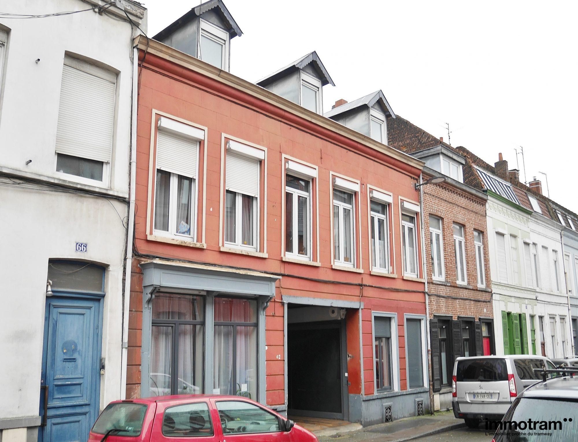 pièces  624 m² Immeuble