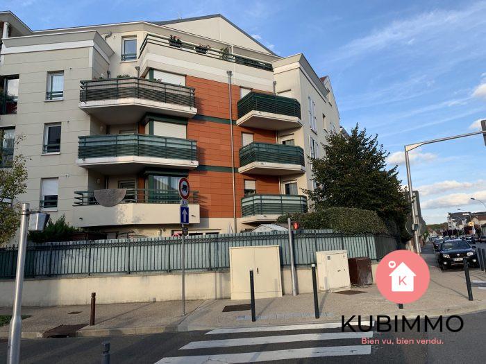 2 pièces 44 m²  Poissy  Appartement