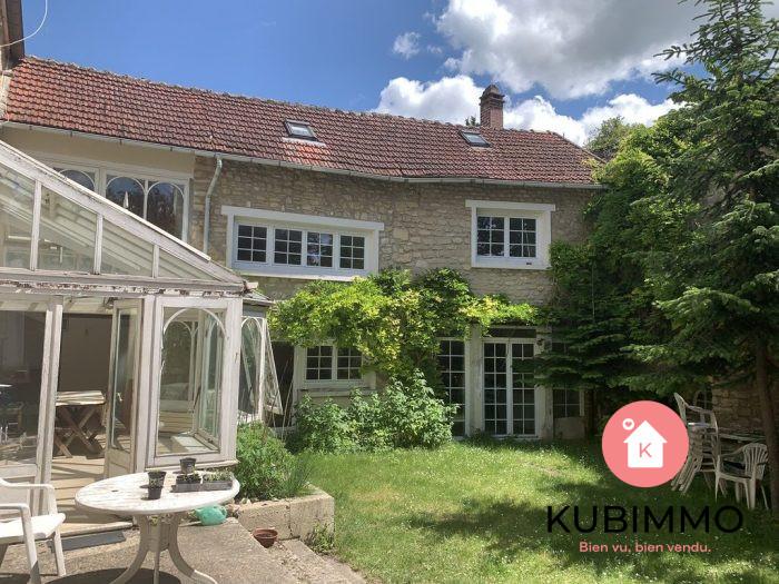 290 m² 11 pièces  Maison Bouafle