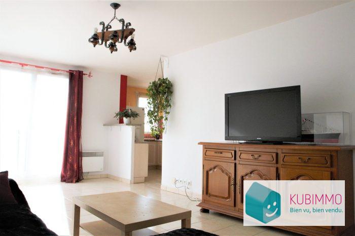 Appartement  79 m² Trappes  4 pièces