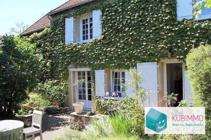 Maison Thoiry  8 pièces 230 m²