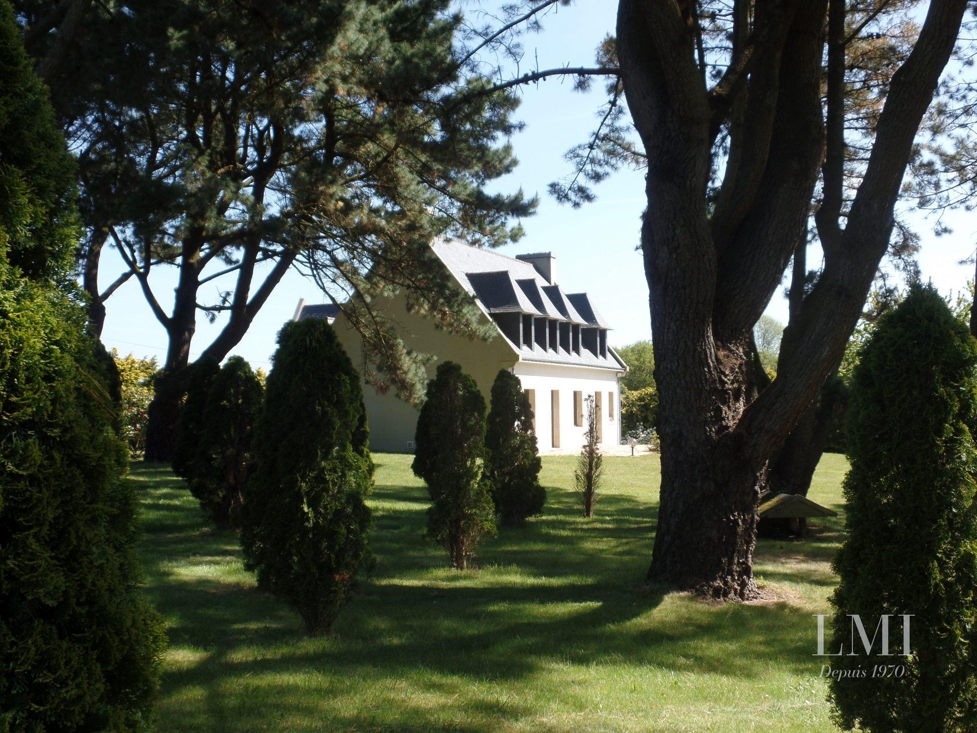 184 m²   Clohars-Carnoët  8 pièces