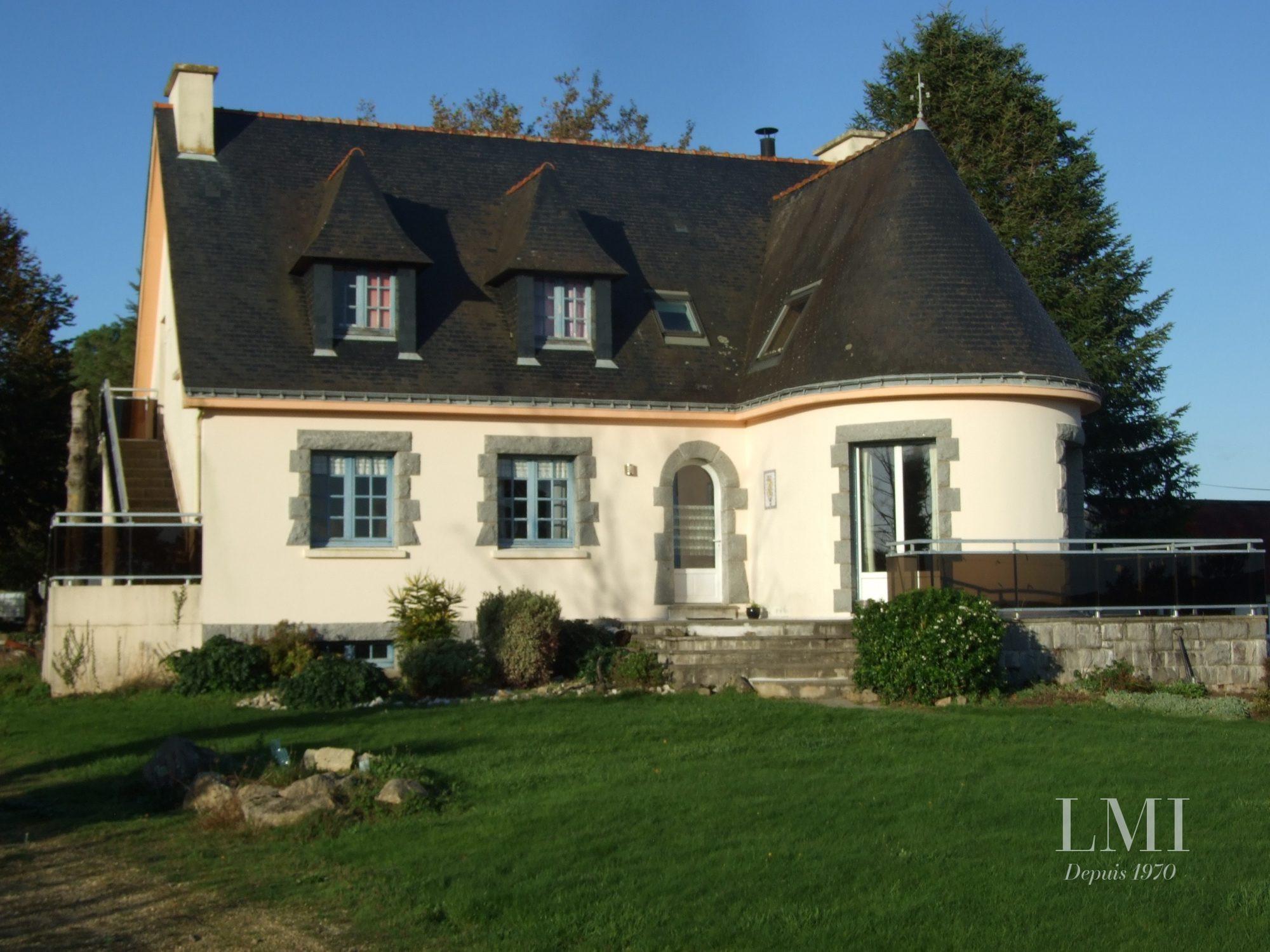 203 m² 9 pièces Locoal-Mendon