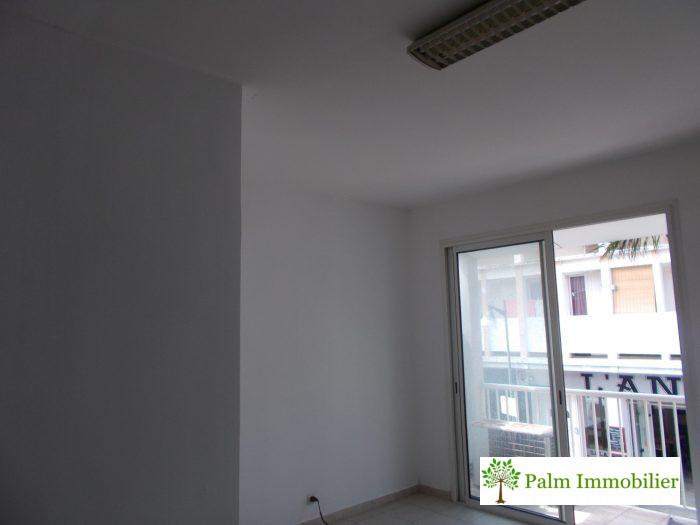 2 pièces Immobilier Pro 100 m² Saint-Pierre Hyper Centre