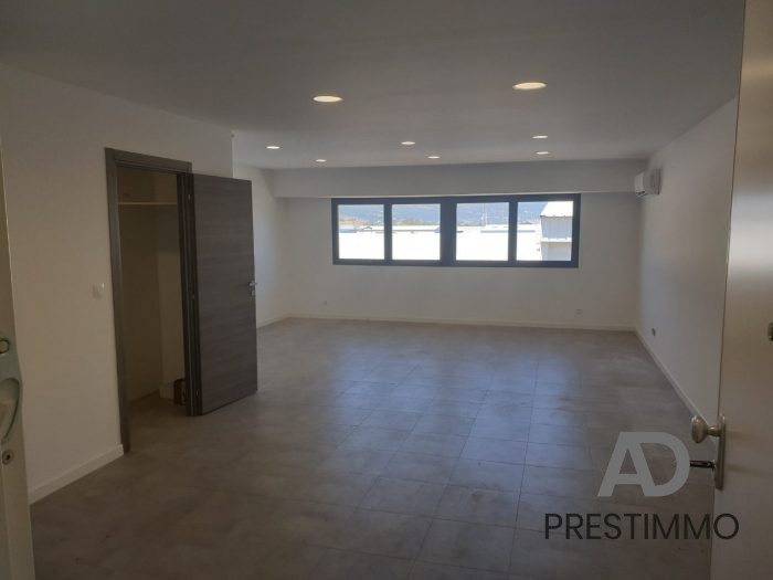 photo de Biguglia, Studio / T1 de 60 m2, belles préstations