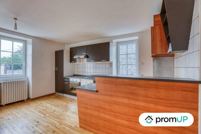 Photo Belle maison – T6 de 128 m² entièrement rénové avec vue sur la chaine des Puys image 1/11