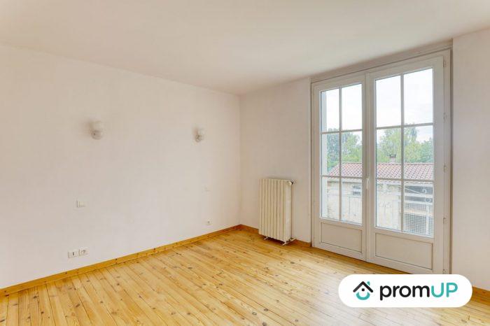 Photo Belle maison – T6 de 128 m² entièrement rénové avec vue sur la chaine des Puys image 4/11