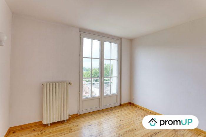 Photo Belle maison – T6 de 128 m² entièrement rénové avec vue sur la chaine des Puys image 7/11