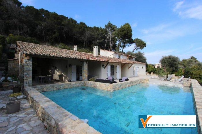 photo de A LOUER, CANNES- VALLAURIS ,Superbe villa 6 pièces de 210 m²